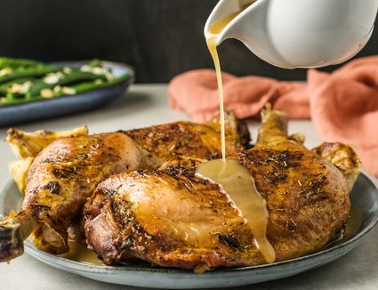 Quick gluten free turkey gravy