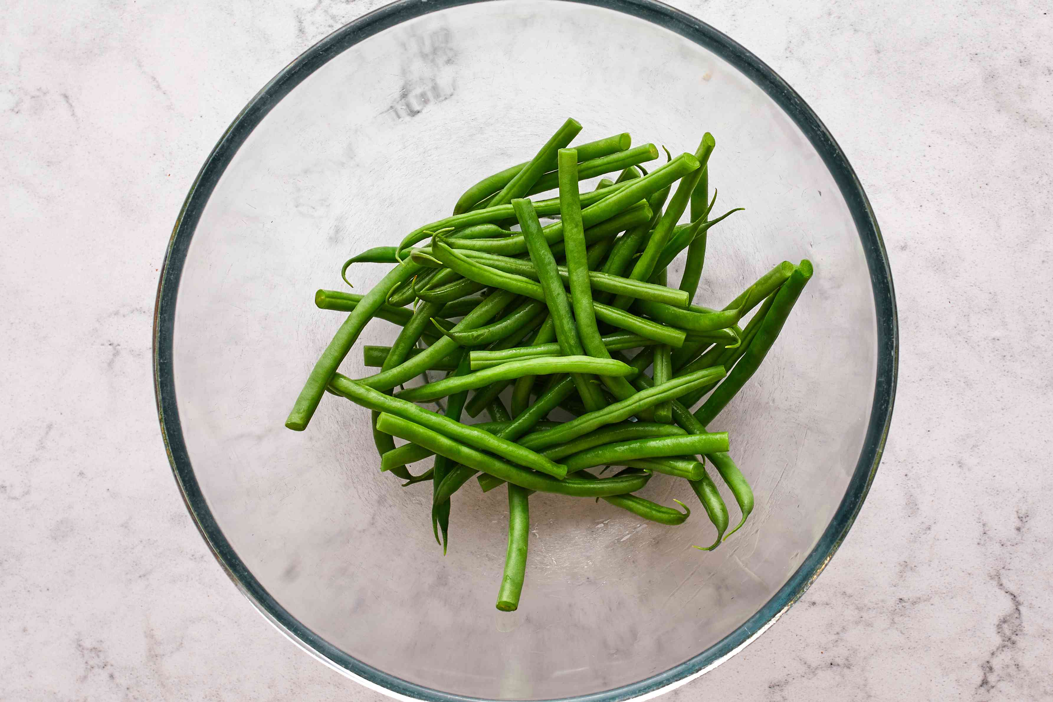 Blanched green beans in bowl