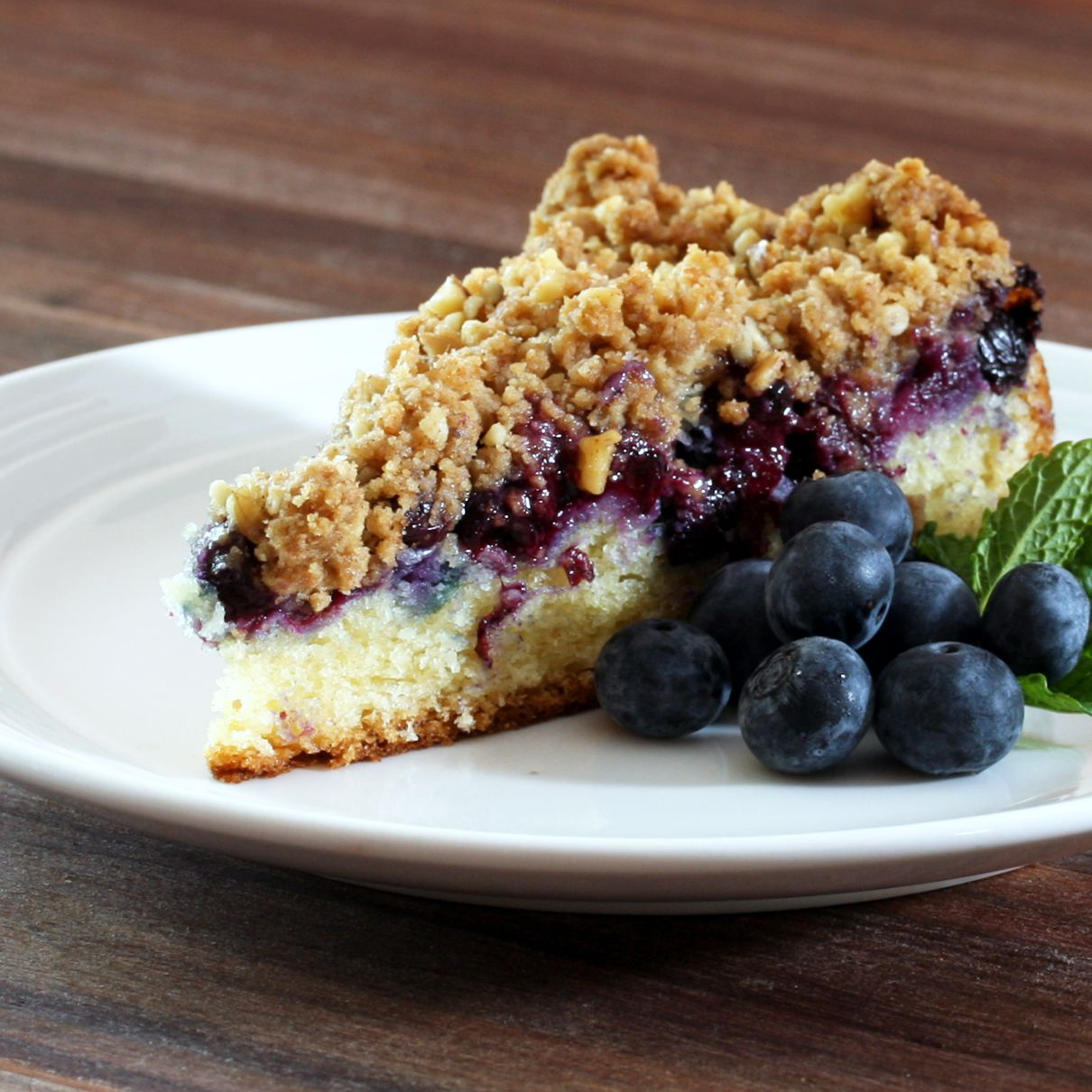 Blueberry Sour Cream Crumb Cake