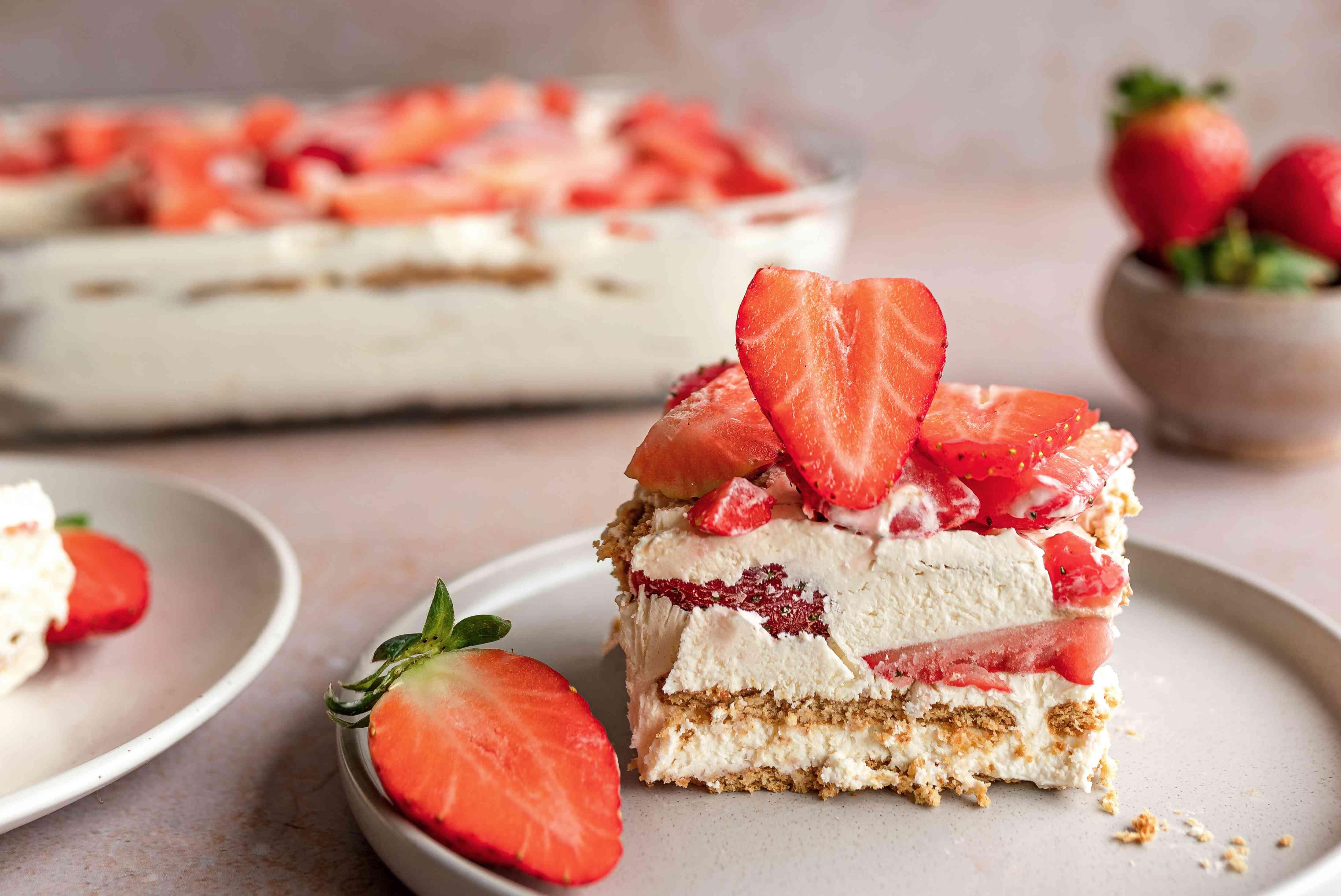 No bake strawberry icebox cheesecake recipe