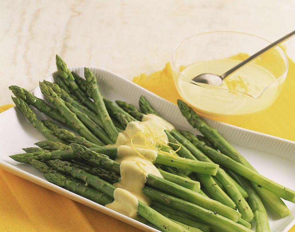 Fresh Asparagus with Hollandaise