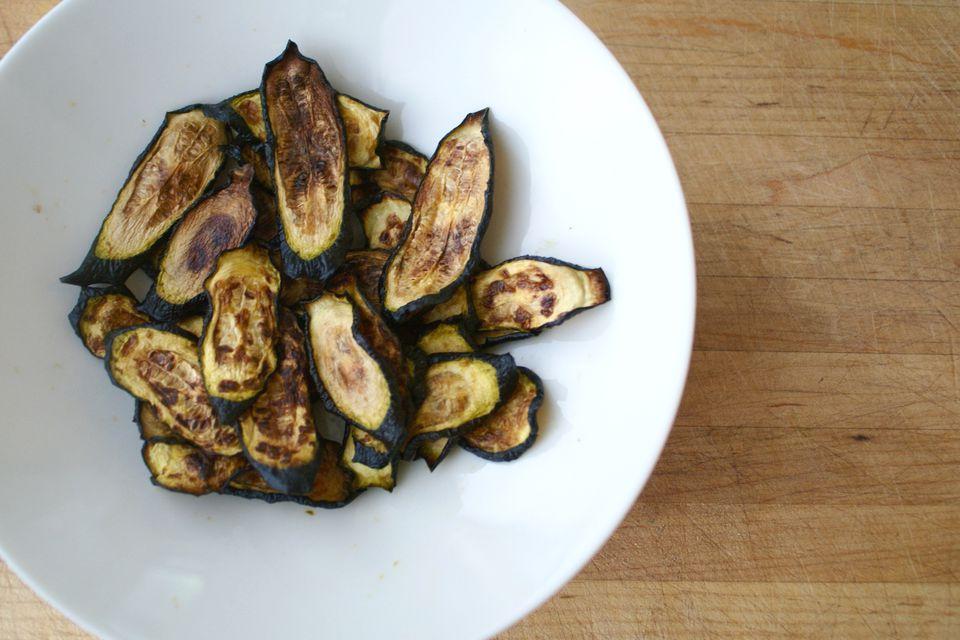 Chips de calabacín horneados