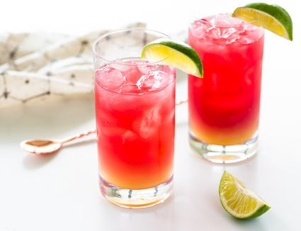 Bay Breeze cocktail in glasses with lime garnish