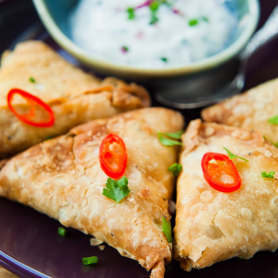Close up of spicy vegetable samosas.