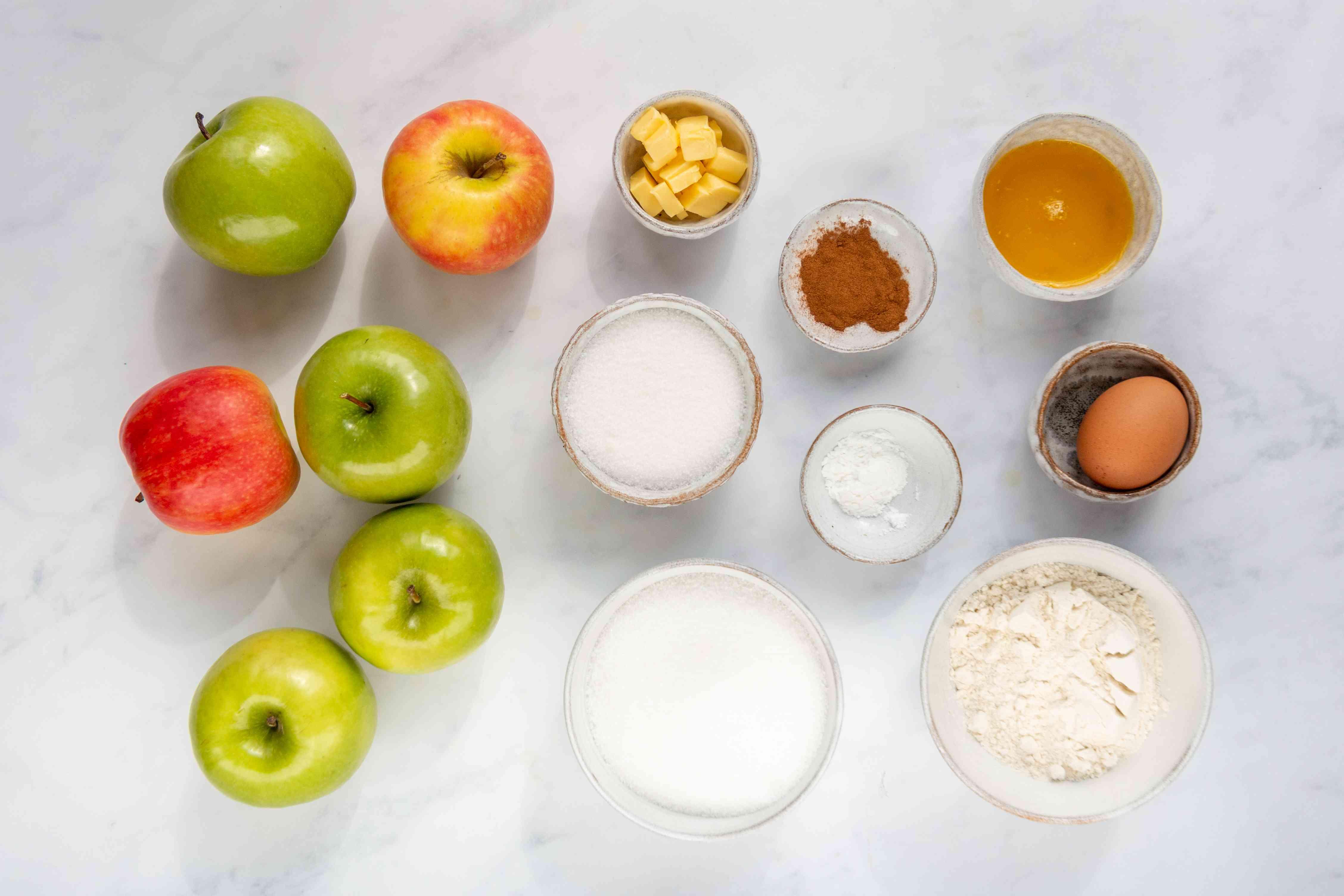 Apple Crunch Dessert With Cinnamon ingredients