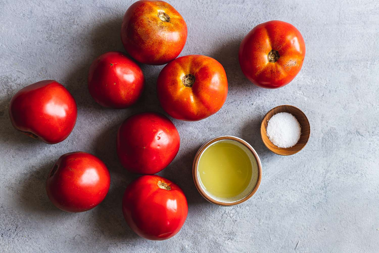 Ingredients for making tomato sauce