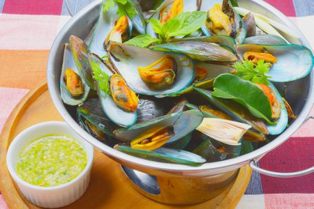 Thai Mussels in a Lemongrass White Wine Sauce