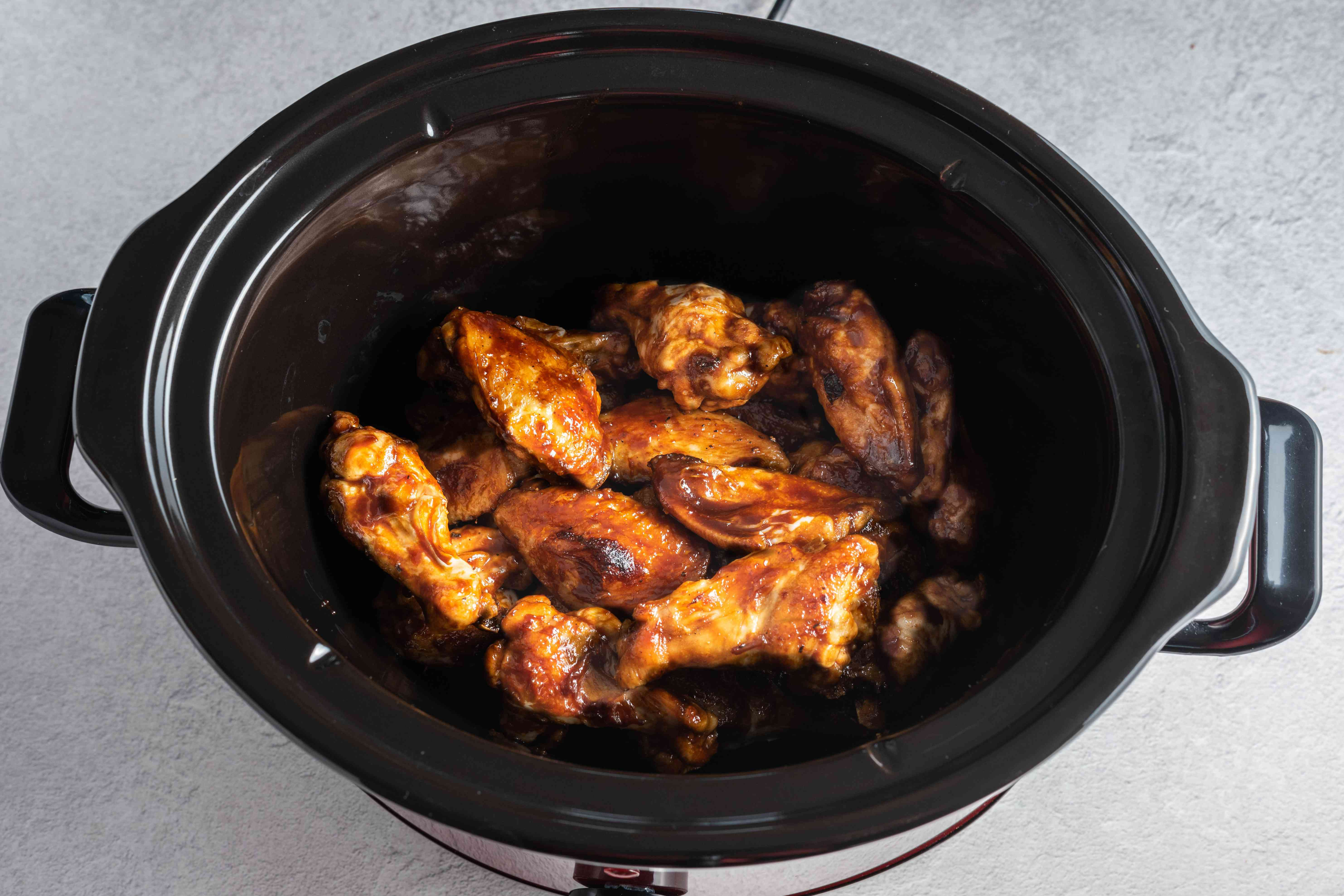 BBQ chicken wings in slow cooker