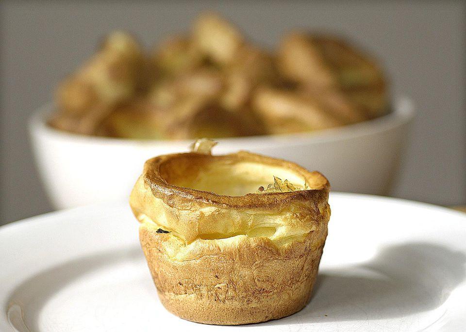 Yorkshire Pudding: Easy Yorkshire Pudding Recipe