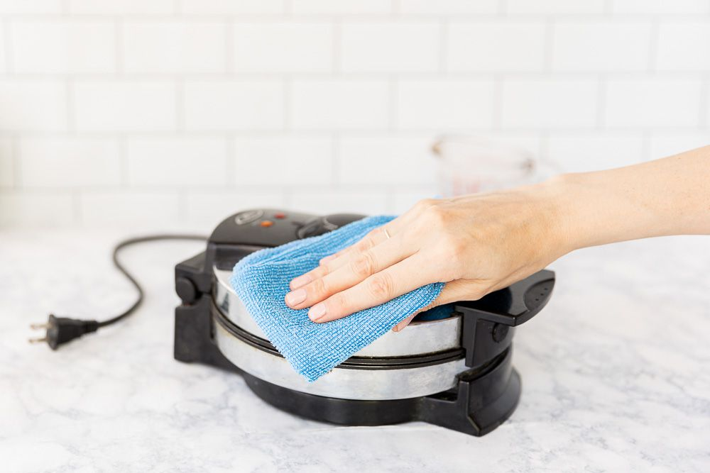 cleaning the outside of the waffle iron