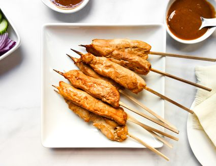 Low-Fat Chicken Satay With Peanut Sauce
