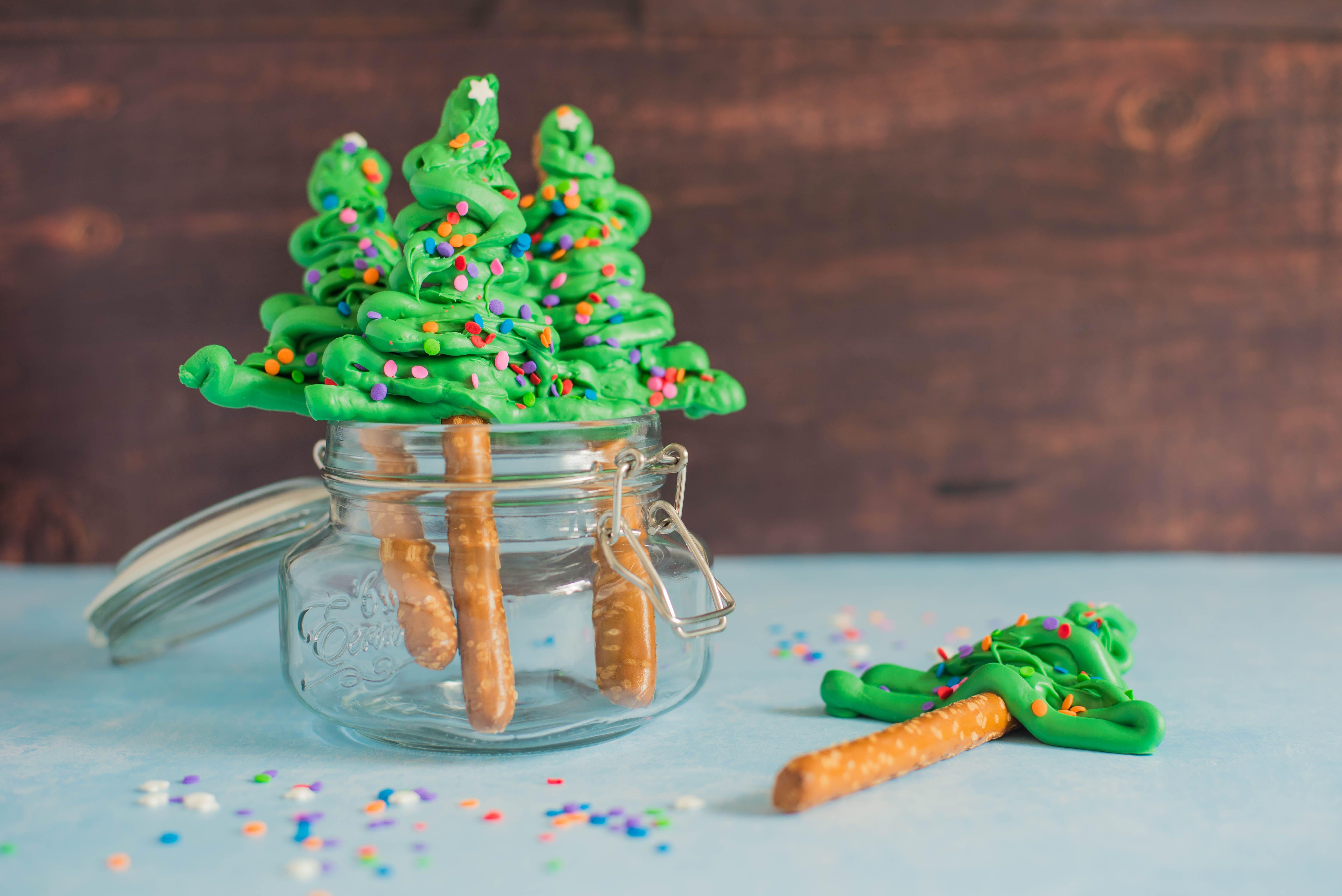 Christmas Tree Food.Christmas Tree Pretzel Rods