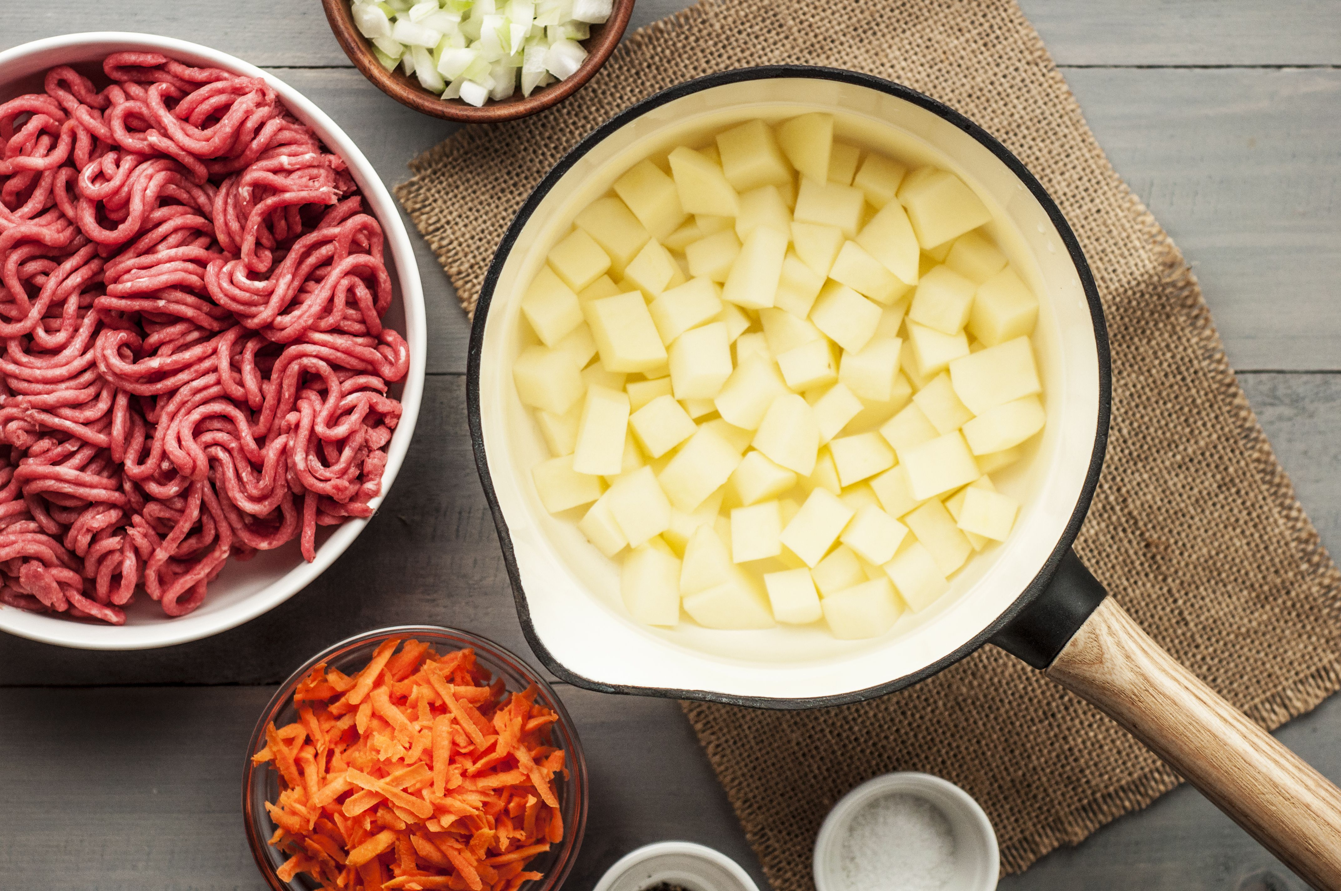 Easy Ground Beef Casserole With Potatoes