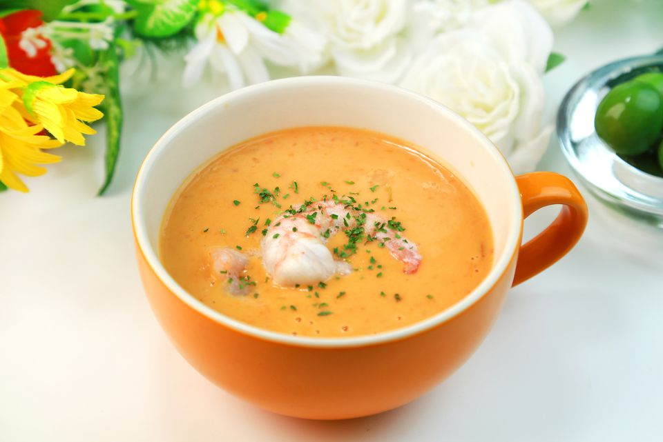cup of shrimp bisque soup