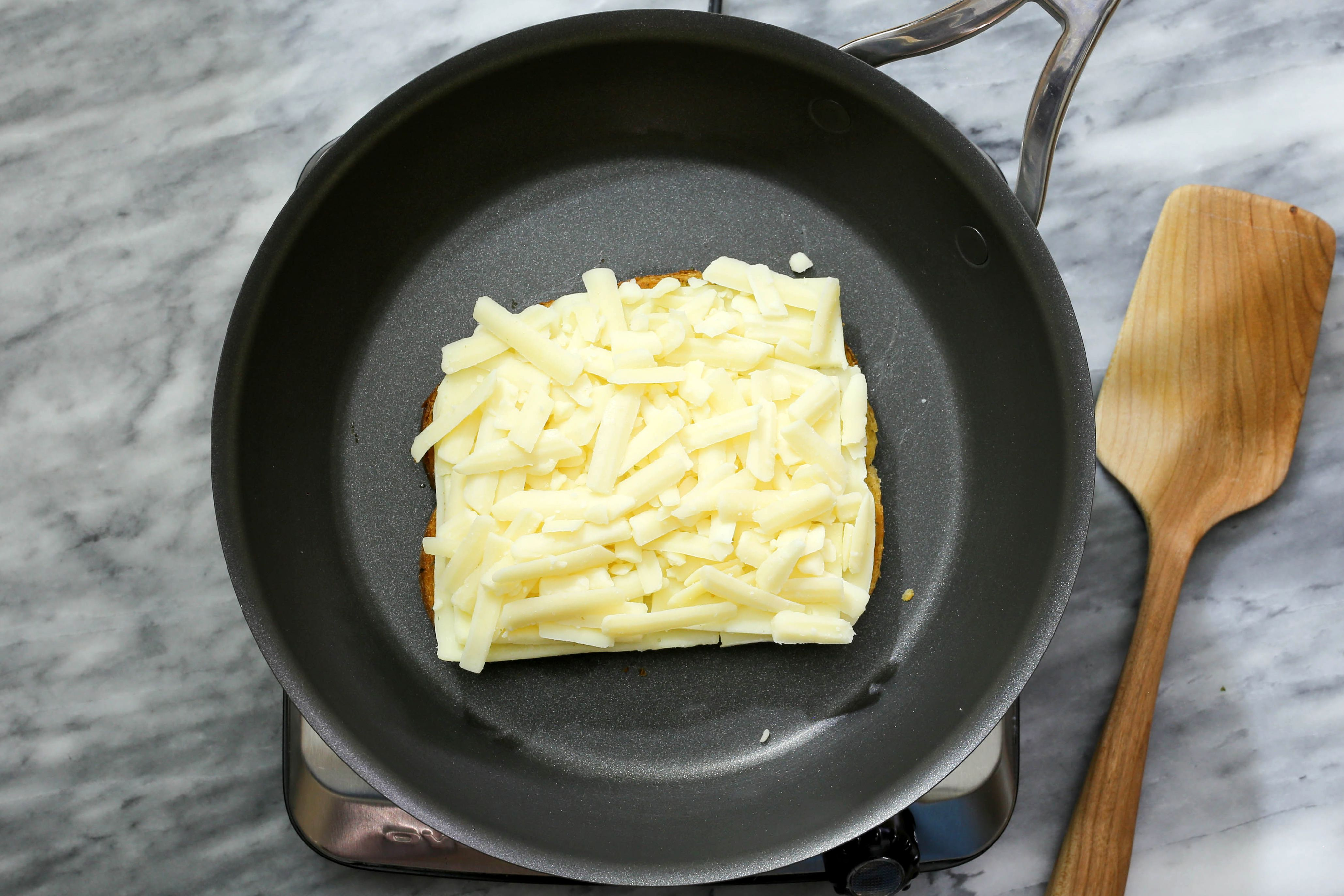 Grilled cheese with mozzarella cheese