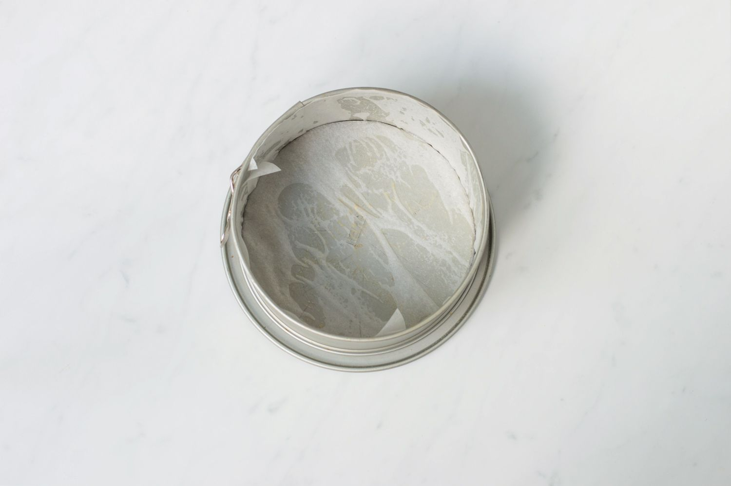 Pan lined with parchment paper