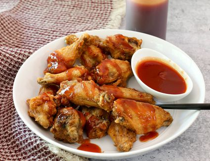 mumbo or mambo sauce with chicken wings