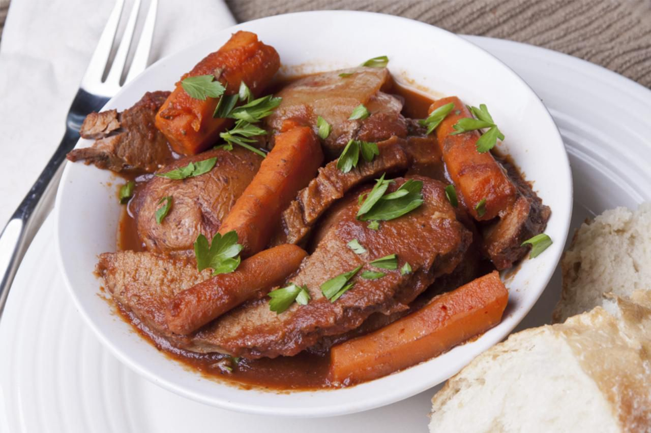 Recipe for Brisket With Vegetables and Balsamic Jus in the Pressure Cooker