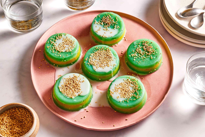 Vietnamese Pandan Rice and Mung Bean Cake Recipe