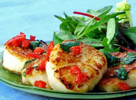 Pan-Seared Scallops With a Special Thai Sauce