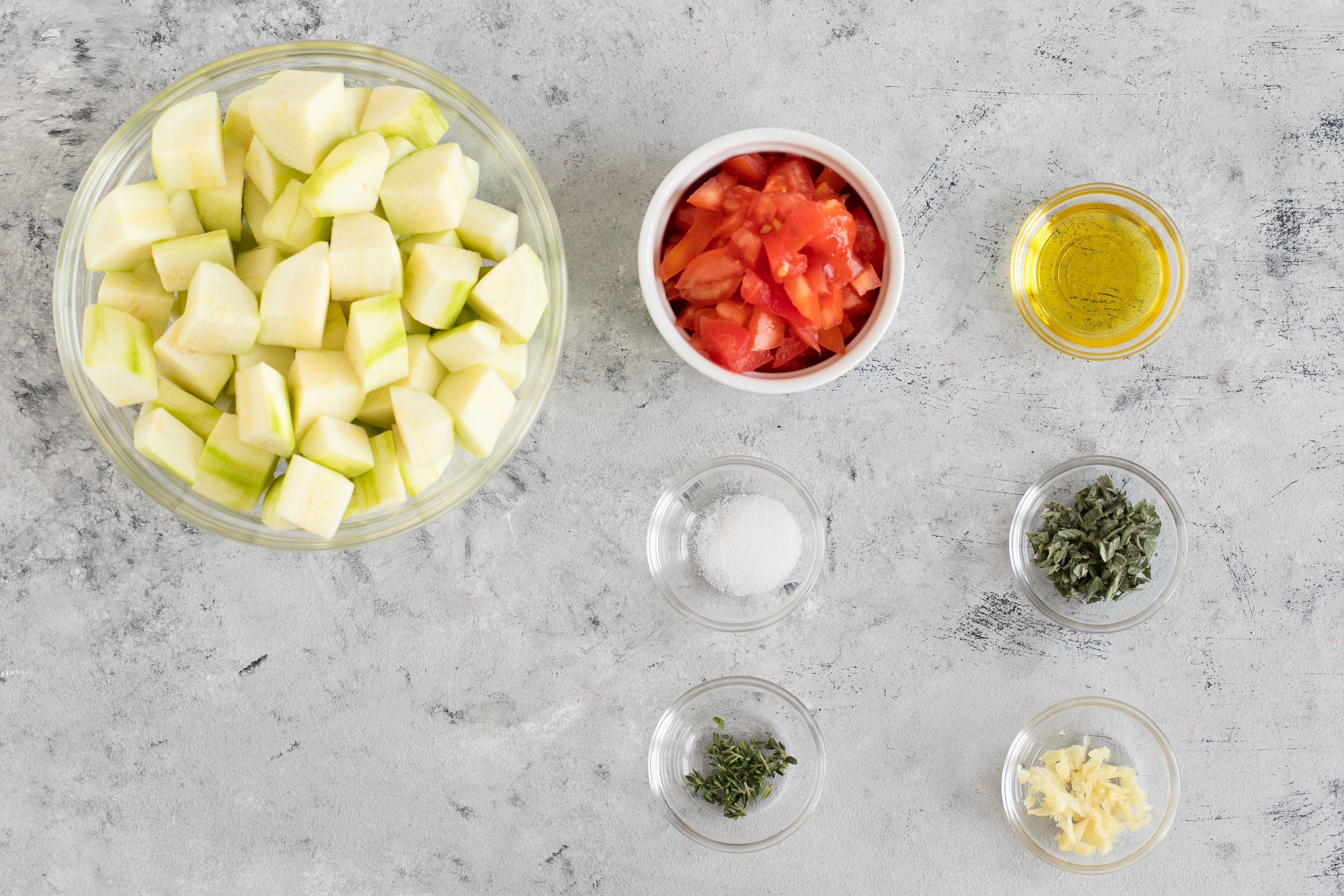 Ingredients for sauteed zucchini