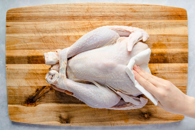 Thoroughly rinse brine from turkey