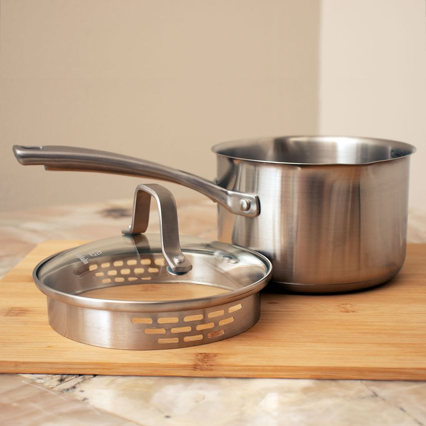 Calphalon Classic Stainless Steel 1.5-Quart Sauce Pan