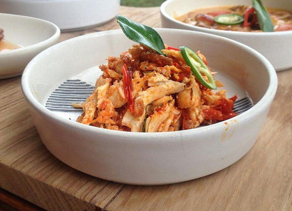 Shredded Chicken in Tomato Sauce