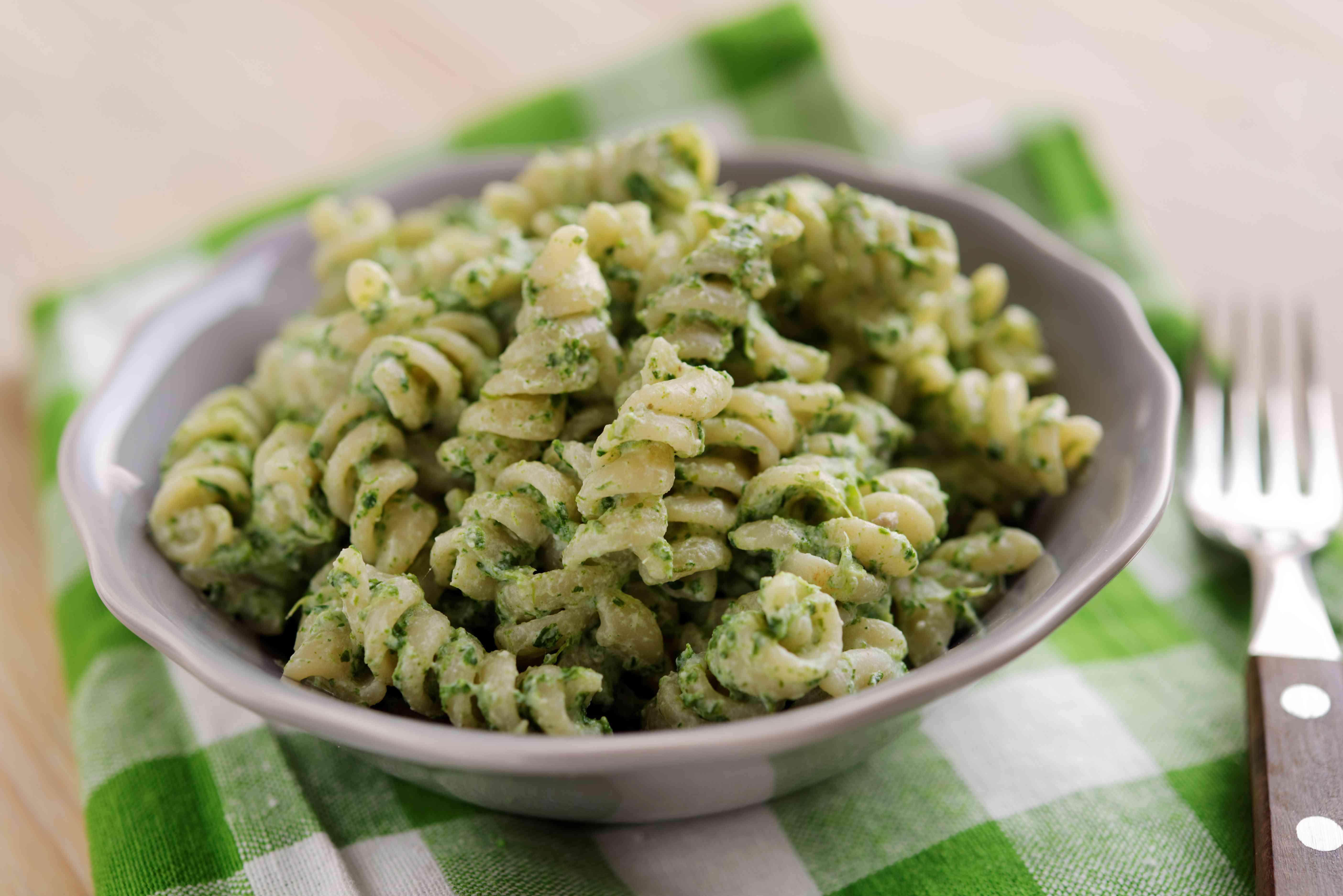 Fusilli pasta with spinach and ricotta