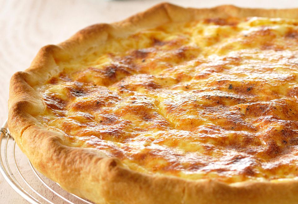 Bacon and Cheddar Quiche