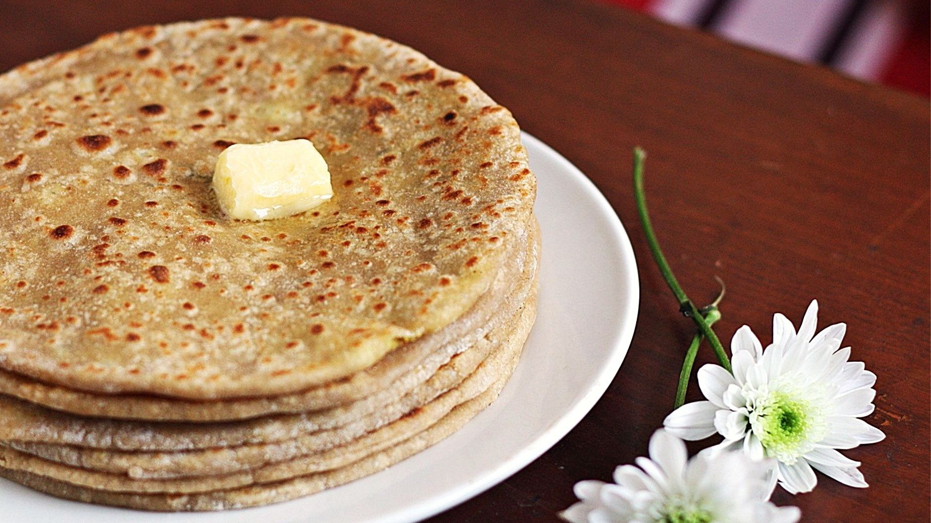 Aaloo (Potato) Paratha Recipe