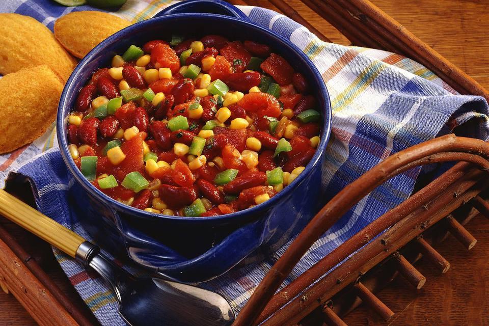 Chile picante de vegetales con tres frijoles
