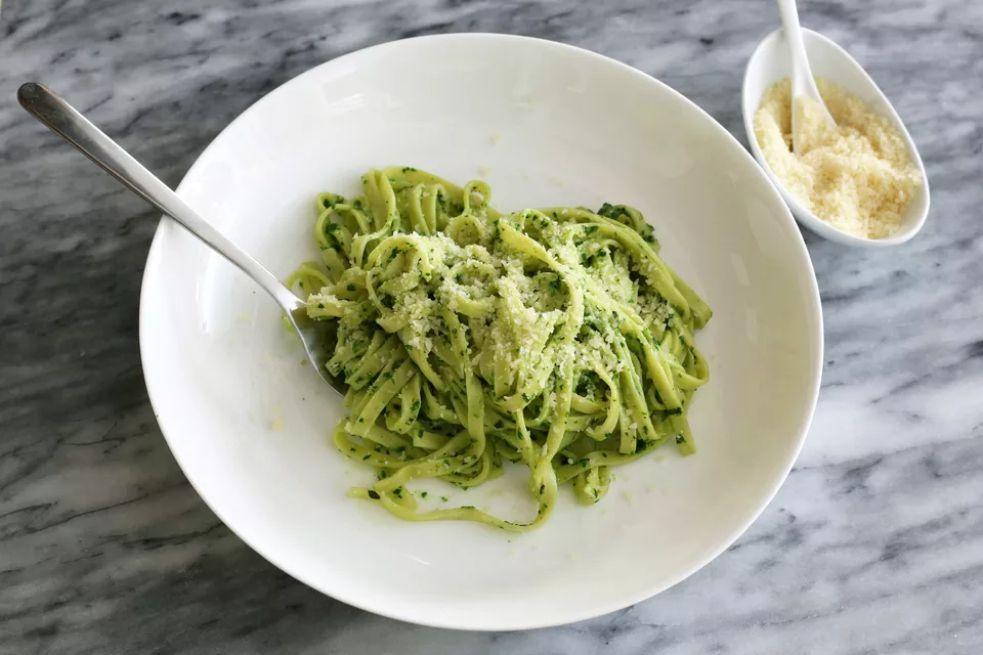 Pasta With Spinach Pesto Sauce