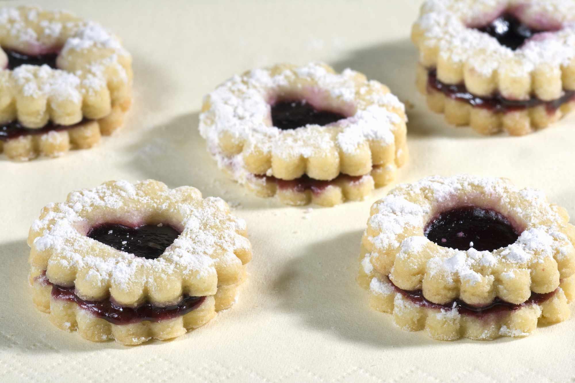Bulgarian Christmas Jam-Filled Cookie (Maslenki) Recipe