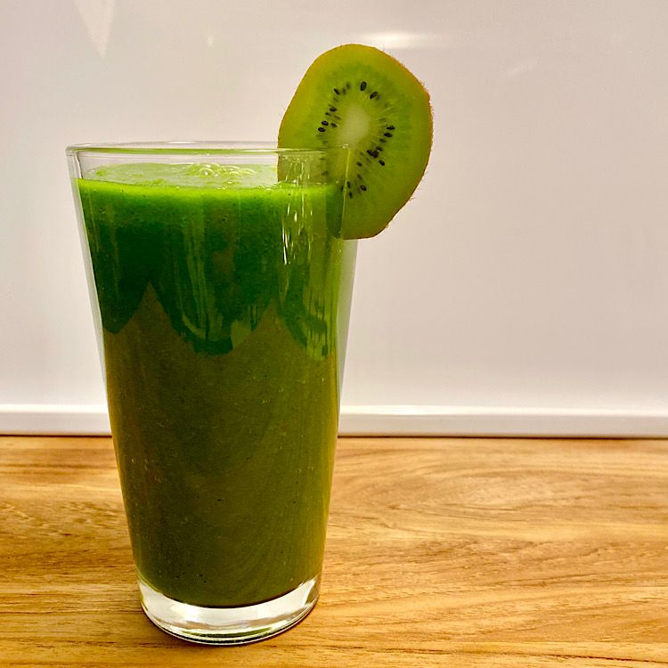 Apple Kiwi Superpower Green Smoothie