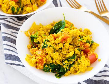 Vegan curied tofu scramble
