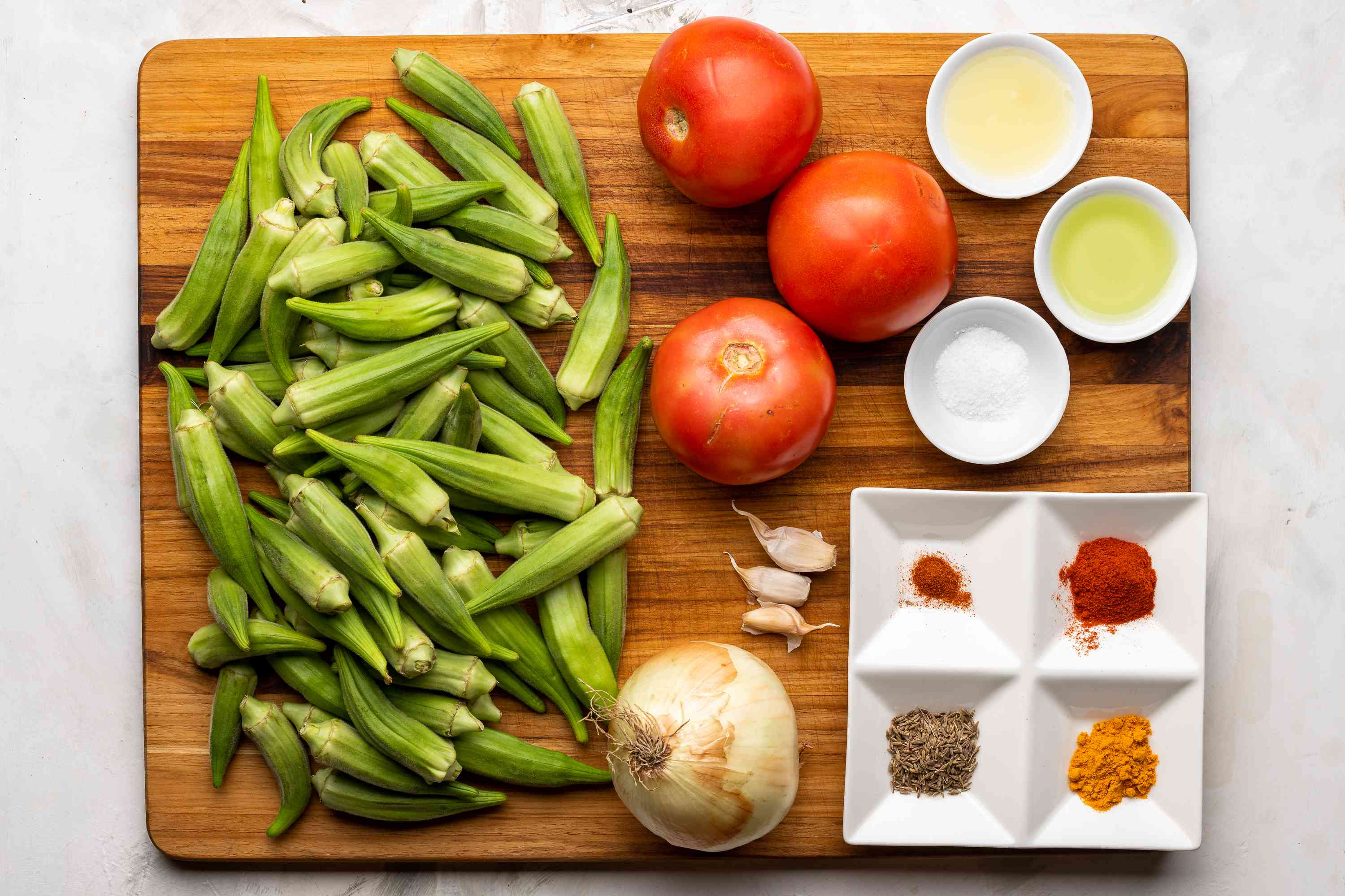 Spicy Okra and Tomatoes ingredients