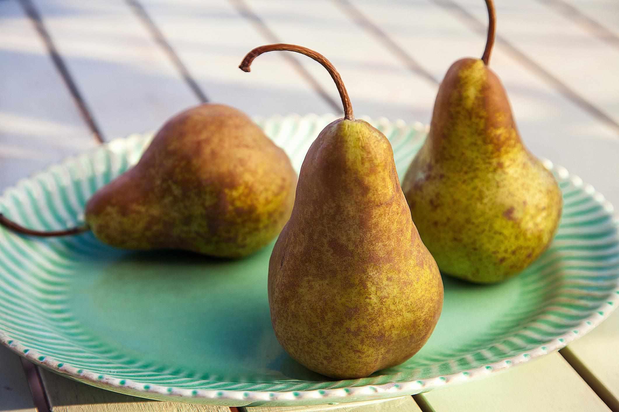 Fresh Whole Bosc Pears