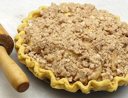 Sour Cream Apple Pie with Crumb Topping
