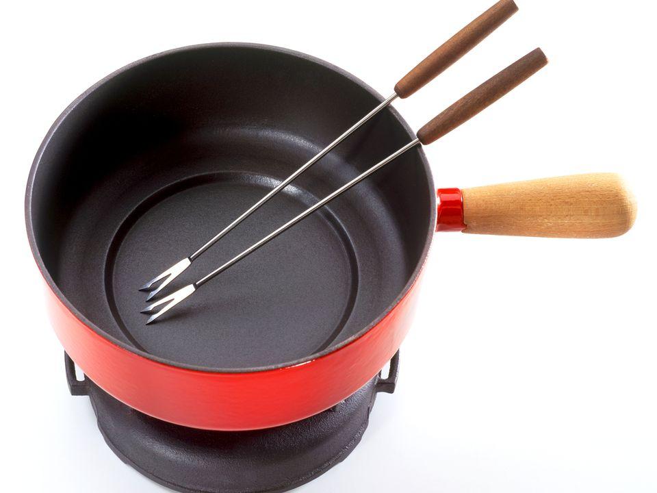 fondue pot, recipes, history, cooking tips, receipts