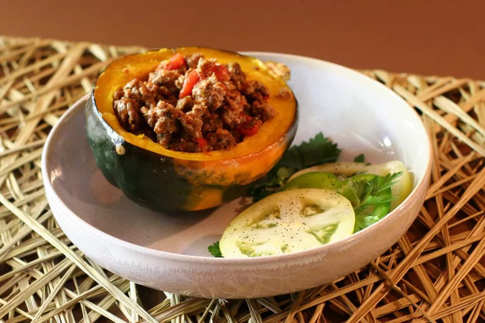 Baked Stuffed Acorn Squash With Beef and Tomatoes