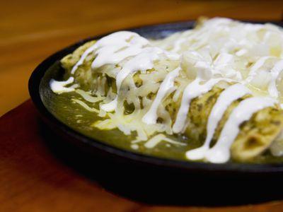 how to make enchiladas verdes with chicken
