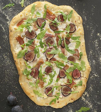 Grilled Fig and Arugula Pizza