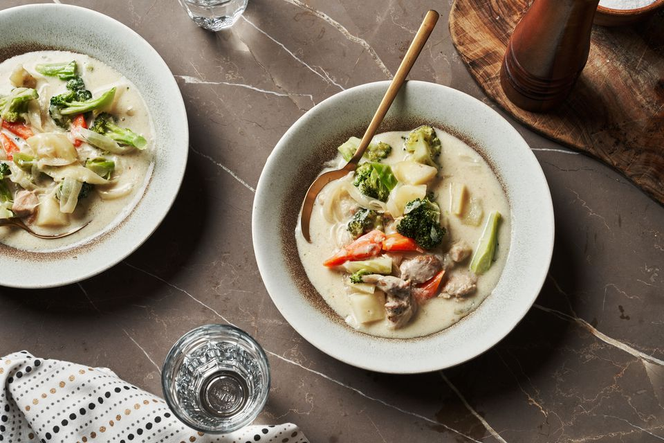 Japanese Cream Stew With Chicken and Broccoli