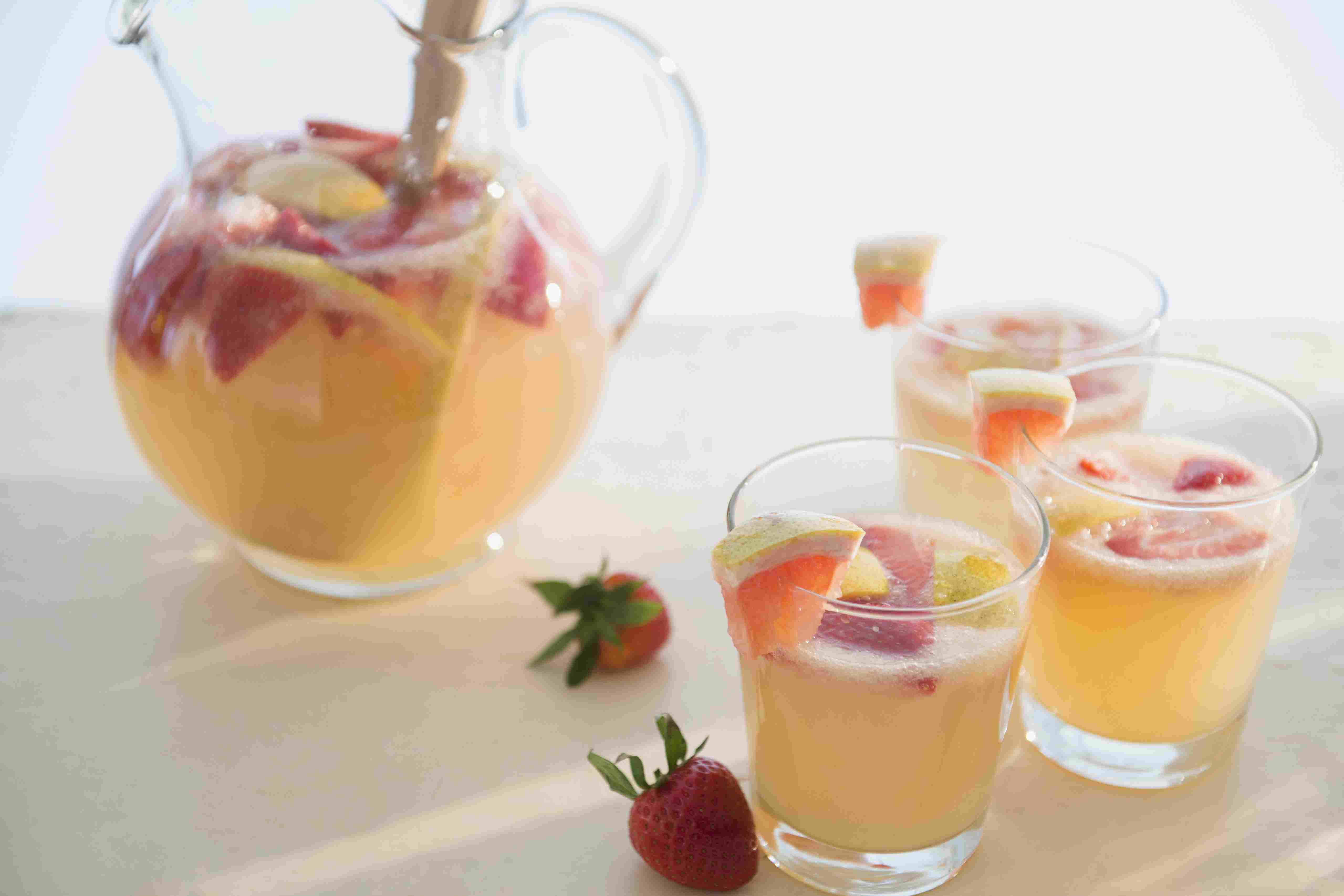 Sparkling Strawberry Rosé Cocktail