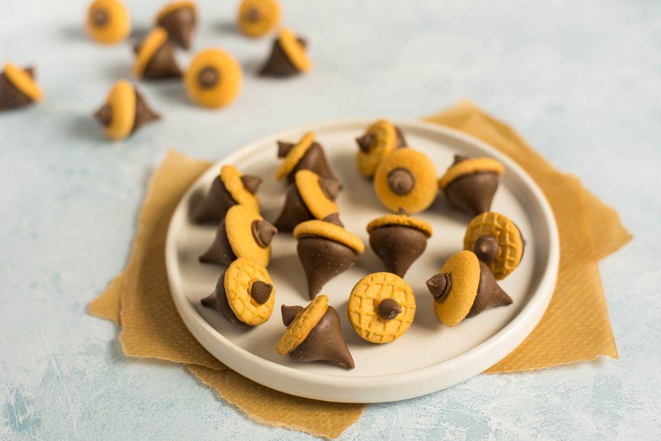 Candy acorn recipe