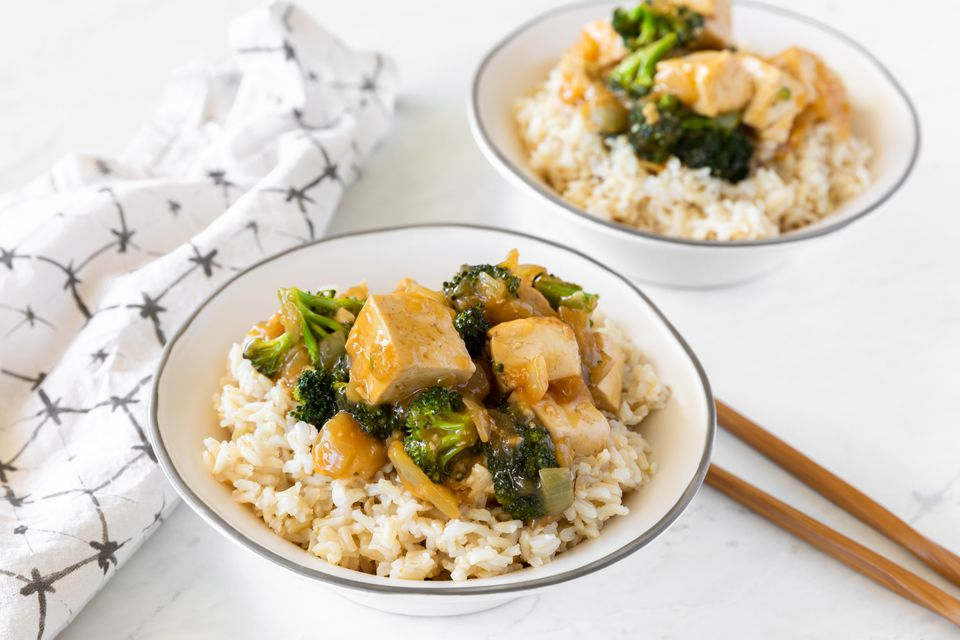 Broccoli and tofu in garlic sauce