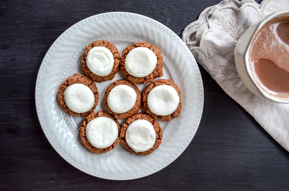 hot chocolate cookies with marshallows