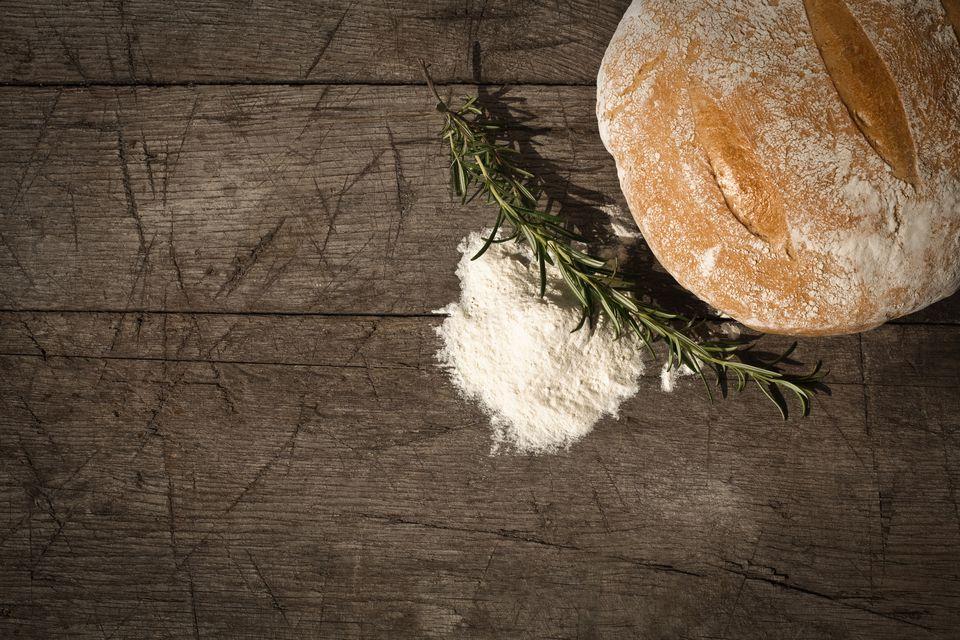 Receta de pan de país rumano - Tara Paine rumana