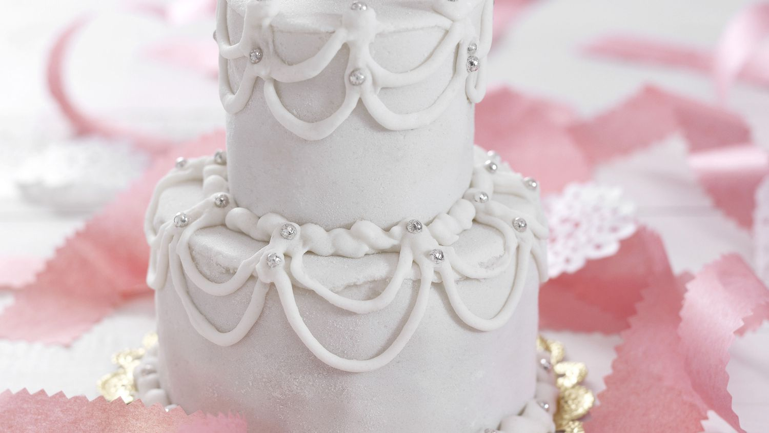 How To Make A Wedding Cake A Beginner S Guide